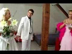Bride Thumb