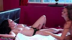 A Machine Makes Grandma Kelly Leigh Orgasm Hard Thumb