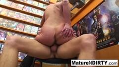 Naughty couple use amateur glory hole fantasy Thumb