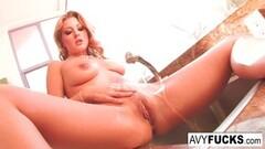 Sexy Avy Scott masturbates in the kitchen Thumb