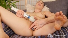 Japanese amateur gets her hairy pussy slamed Thumb