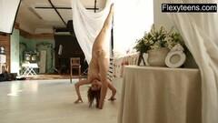 Stunning naked gymnast Dasha Lopuhova Thumb