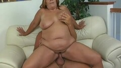 Chubby amateur loves to fuck Thumb