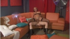 Privatecom - Ellen Betsy double penetration debut Thumb