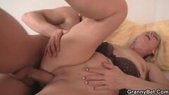 Deutscher Junge mag es wenn man sein Poloch leckt Thumb
