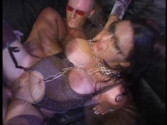 Real horny babe goes wild in living room  [CLIP] Thumb