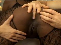 The African Queen Thumb