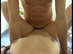 Short haired brunette finishes the job (clip) Thumb