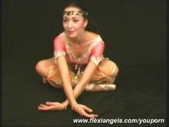 Lesbian flexible oriental duo (movie) Thumb