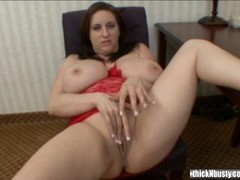 Kitty Lee puts a dildo in her kitty Thumb