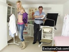 Skinny blond Sindy Vega gets gyno explored Thumb