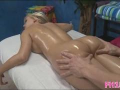 She gets pussy massaged Thumb