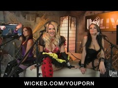 Three horny sluts dress up in costumes for a Halloween orgy Thumb