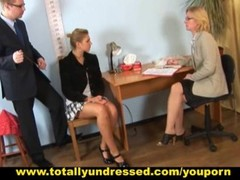 Hot babe passing through tough nude job interview Thumb