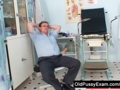Mature Jindra gyno old pussy exam Thumb
