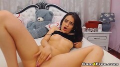 Teen Babe Fucking Her Pussy On Cam Thumb