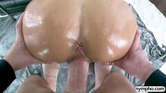 NYMPHO Charming Jade Reign gets a warm creampie Thumb